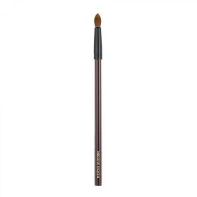 Кисть для теней Kevyn Aucoin The Small Eyeshadow Soft Round Tip Brush: фото